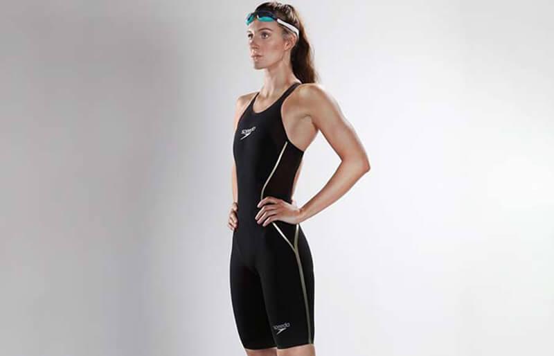 Bơi lội hoặc tập luyện dưới nước