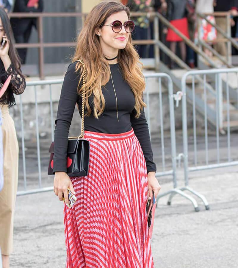 17 cách phối quần áo với váy xếp ly siêu xinh cho nàng