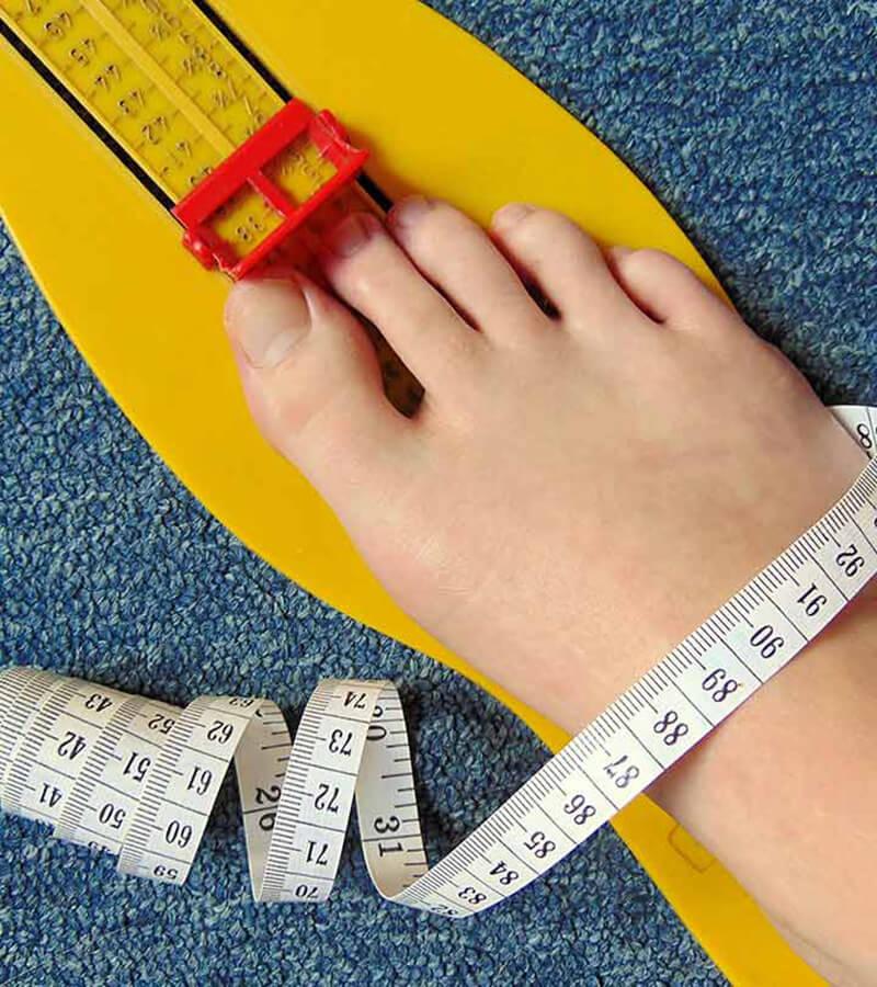 Hướng dẫn bạn gái cách đo cỡ giày, dép chuẩn xác nhất