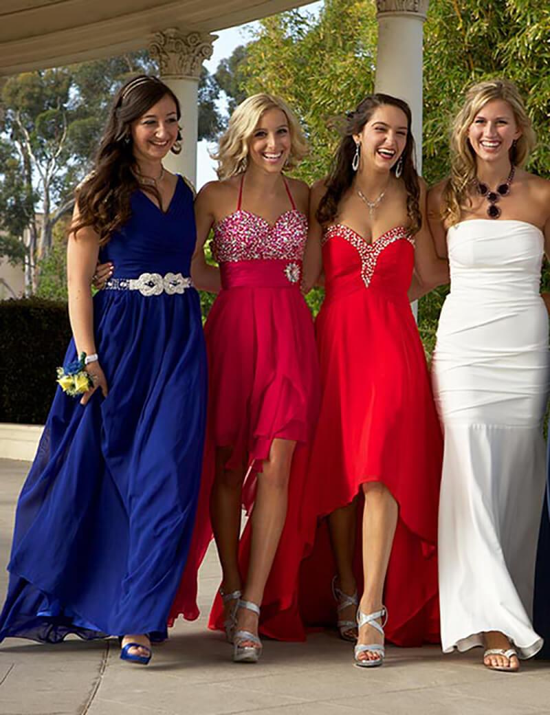 Lựa chọn trang phục dự tiệc giúp bạn trông gầy hơn