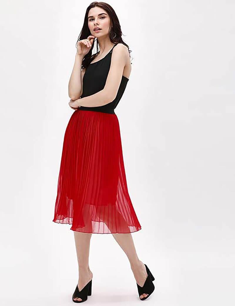 Váy xếp ly màu đỏ