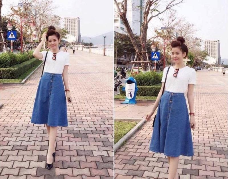 Chân váy bò xòe dáng dài phối được với nhiều loại trang phục