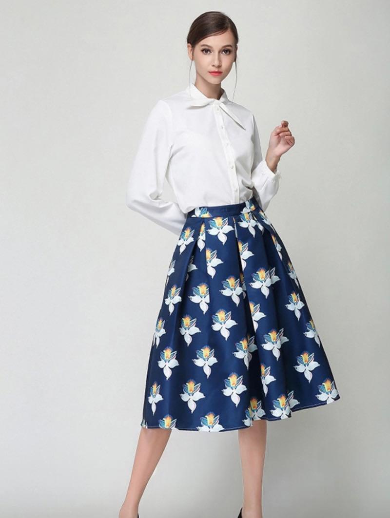 Chân váy xòe họa tiết hoa