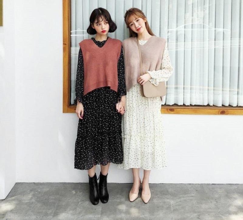 Nữ tính và đậm chất vintage với áo len tay ngắn mặc ngoài váy
