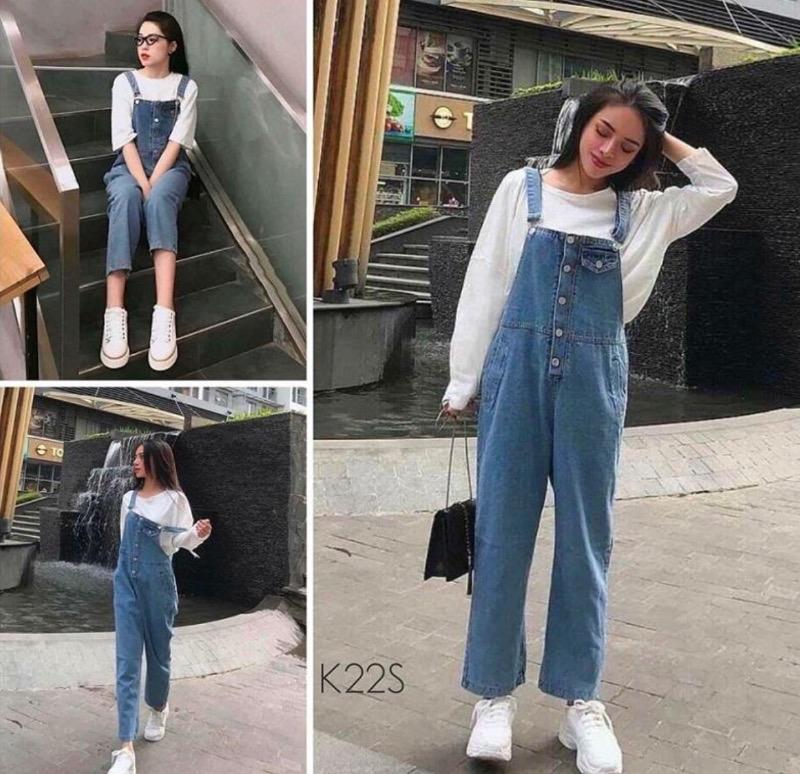 Outfit đi Đà Lạt cực chất với áo thun phối quần yếm jeans