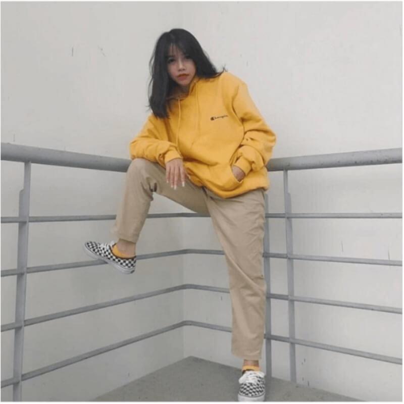 Áo hoodie kết hợp quần baggy cạp chun
