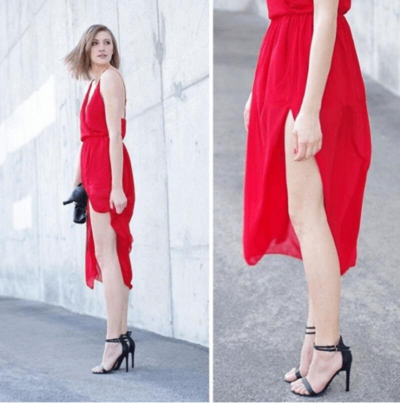 Đầm đỏ kết hợp với giày đen đem lại cho bạn cái nhìn vô cùng nổi bật