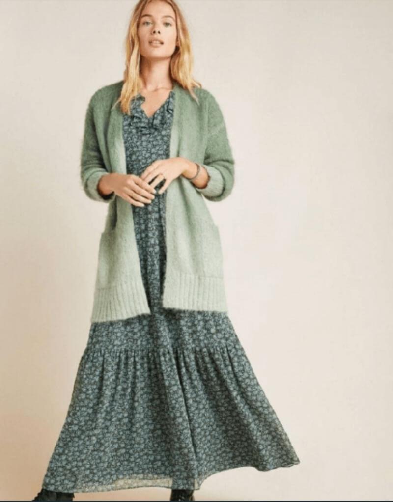 Chuẩn hình tượng cô gái mùa thu với đầm hoa maxi và áo khoác len dáng dài