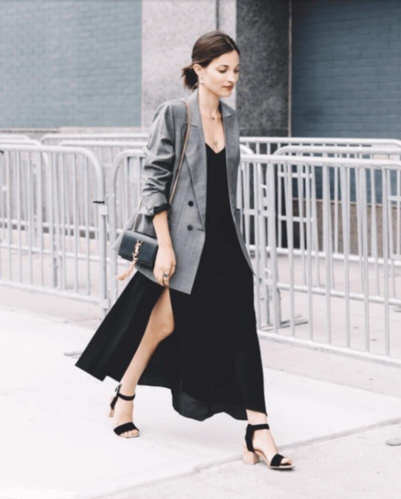 Mặc đẹp như fashionista với đầm suông dáng dài kết hợp áo blazer