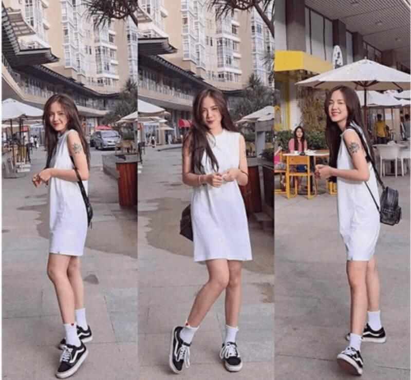 Đầm suông và giày thể thao là outfit tuyệt vời cho mùa hè