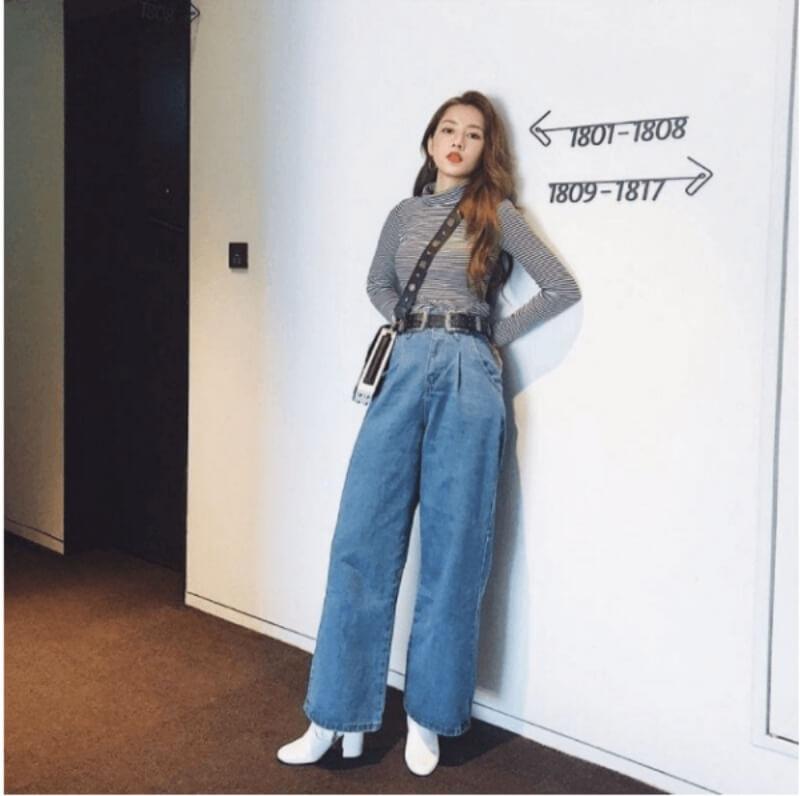 Giày boot cổ ngắn phối với quần jeans dáng rộng