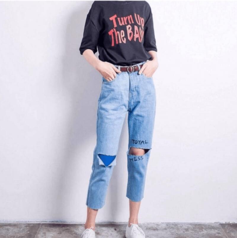 Khoe dáng chuẩn không cần chỉnh nhờ áo thun và quần baggy