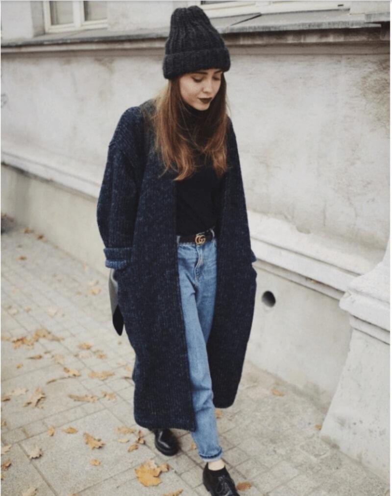 Cực chất với set đồ ấm áp áo len quần jeans và áo khoác len dáng dài