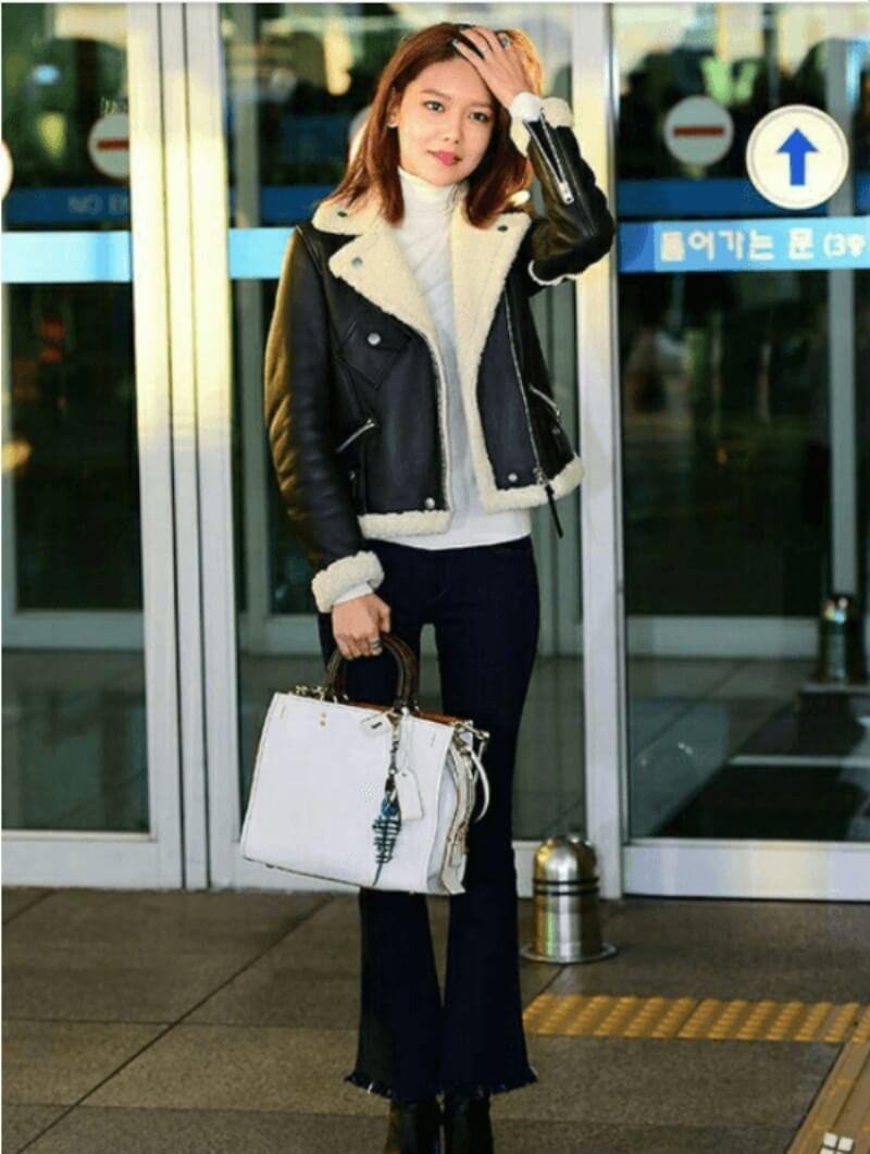 Áo jacket da phối cùng quần jean