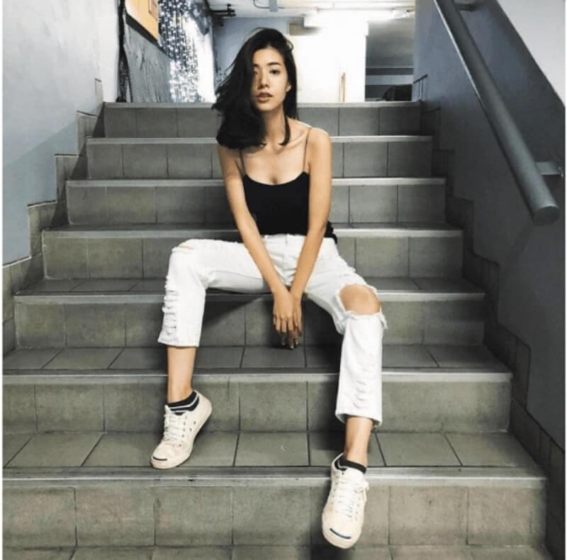 https://thoitrangmacnha.com.vn/wp-content/uploads/2021/03/giay-trang-quan-jeans-rach-ao-hai-day.png