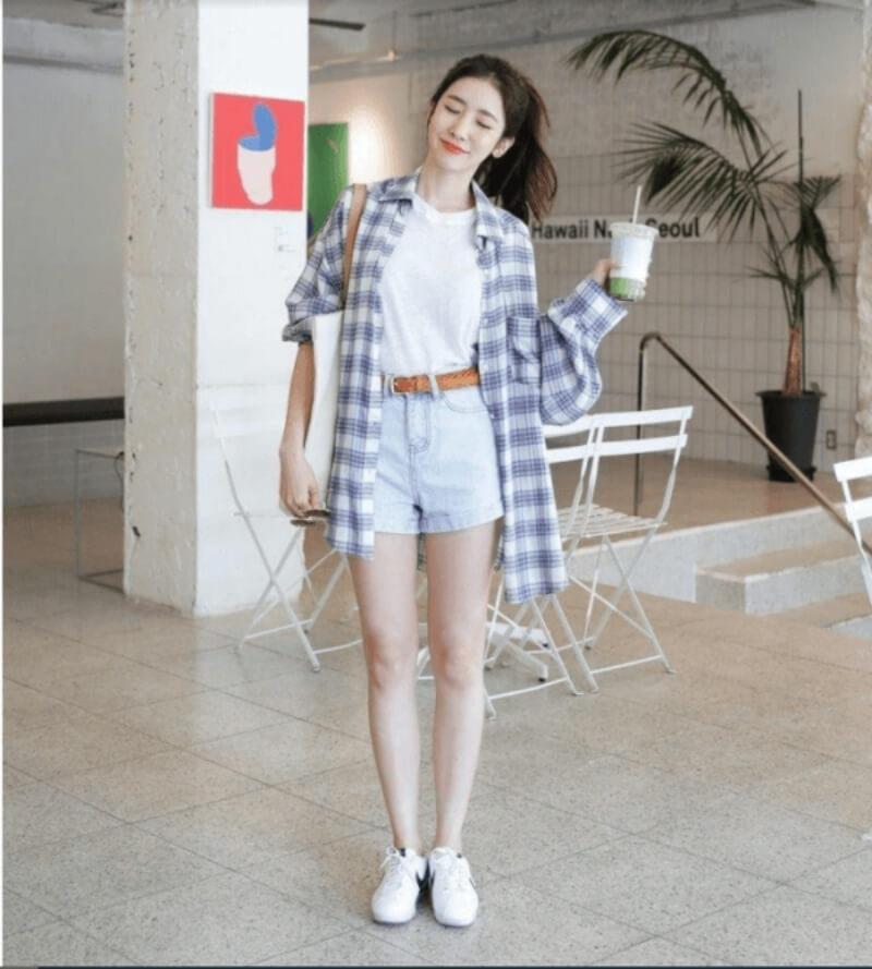 Giày trắng + quần short + áo thun