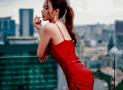 Bật mí cách phối phụ kiện với đầm đỏ ai nhìn cũng mê